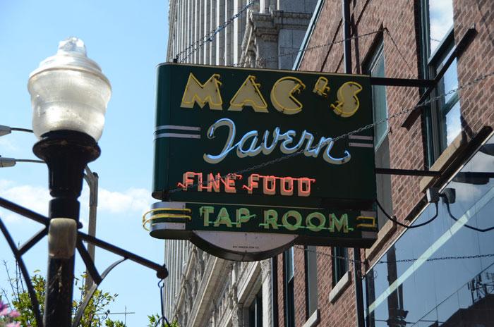 Macs Tavern
